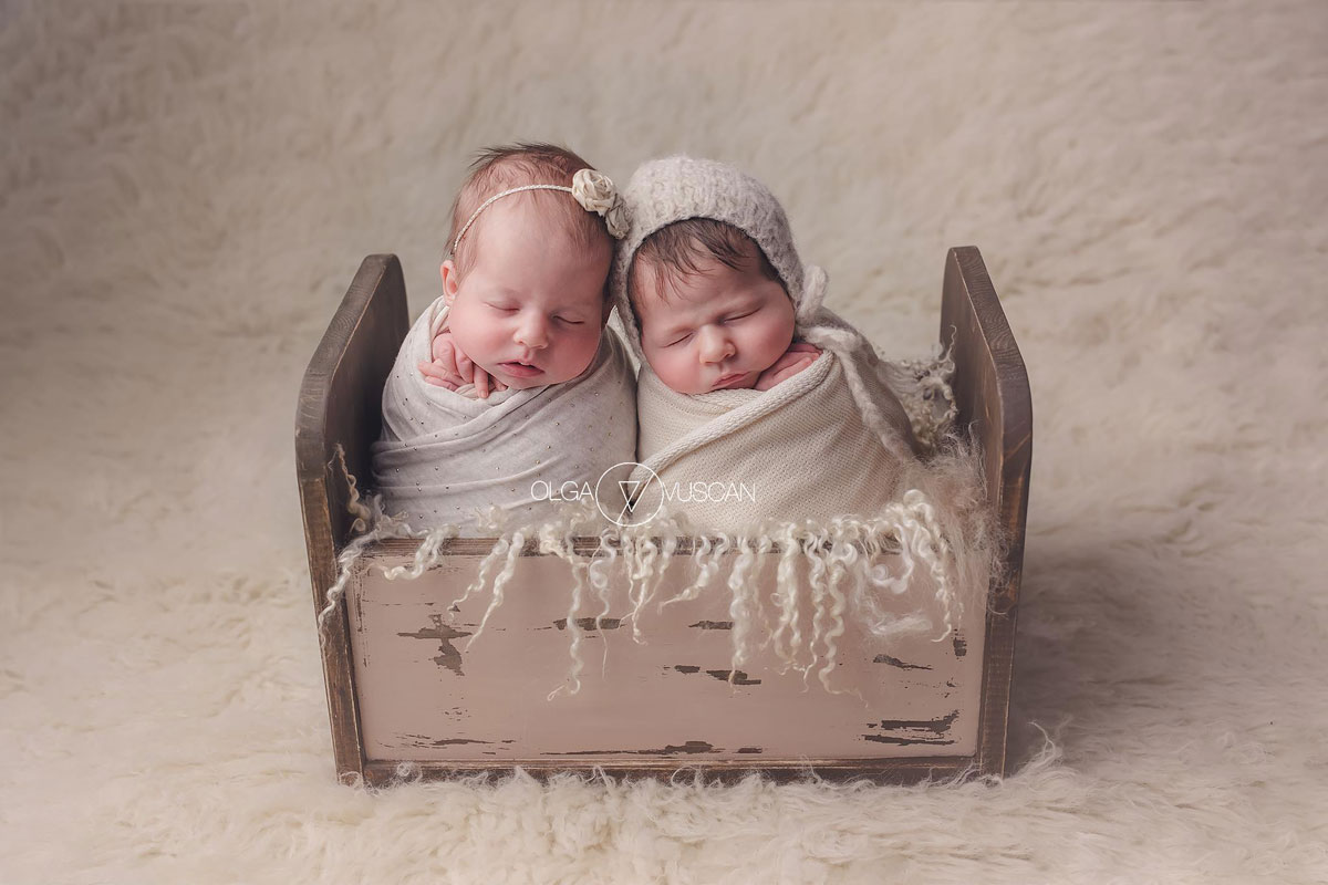 Olga Vuscan New Born Photographer for Workshops by Camen Bergmann Studio tweens sleep together wrapped in white