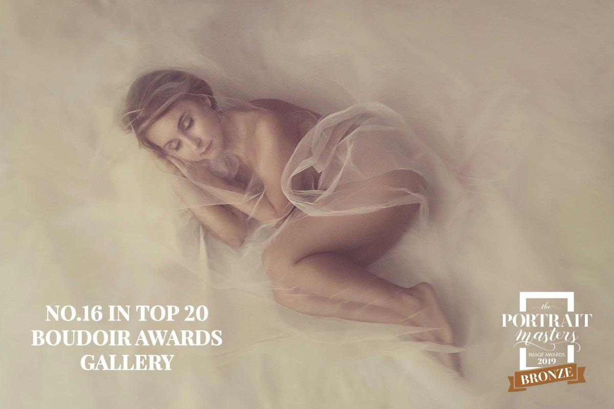 Lady-on-white-floor-portrait-by-Alina-Botica-for-photography-workshop-in-Carmen-Bergmann-Studio-Munich