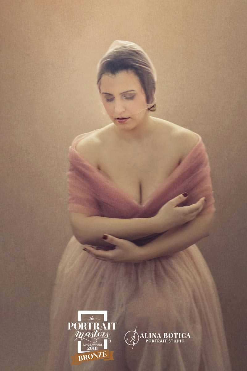 Portrait-by-Alina-Botica-for-photography-workshop-in-Carmen-Bergmann-Studio-Munich